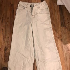 Trendy comfortable white jeans